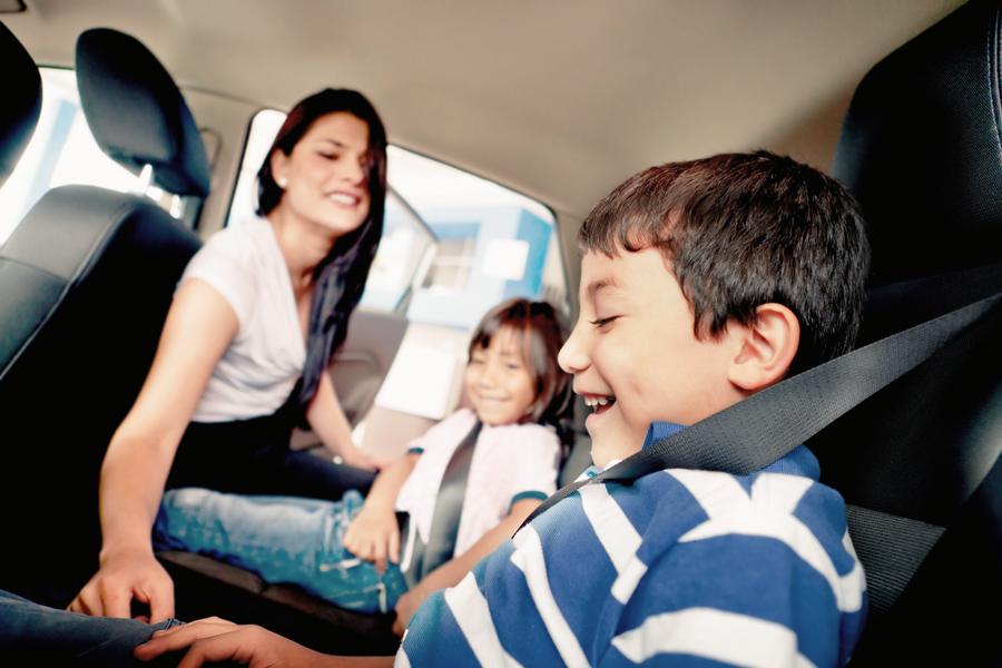 viajar-com-criancas-de-carro