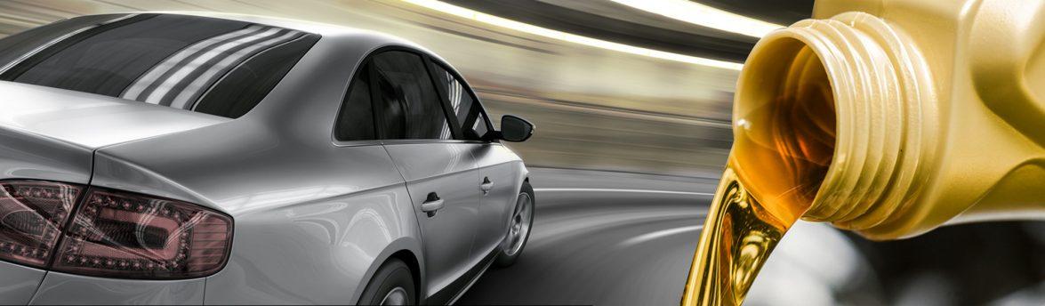 Carro em velocidade litro de óleo