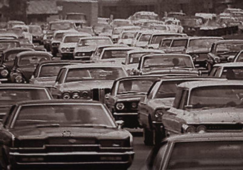 transito em dia de black friday em 1960 nos estados unidos
